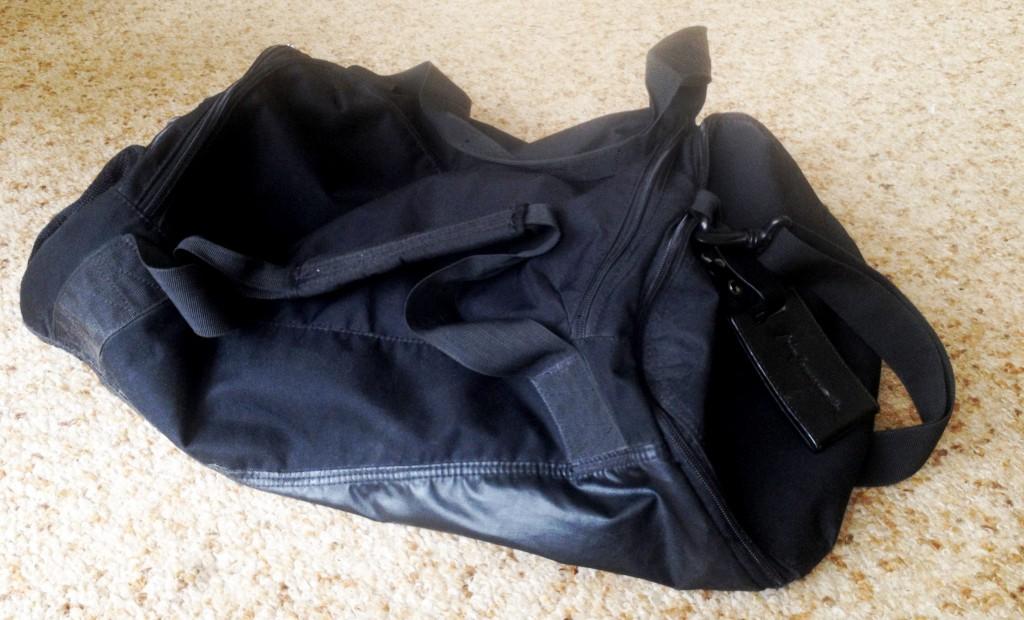 Černá sportovní taška