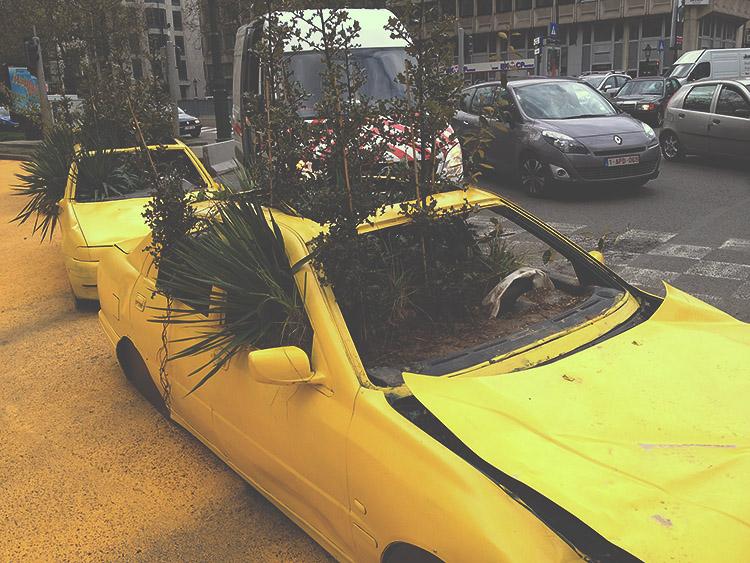 Květináč s auta v Bruselu