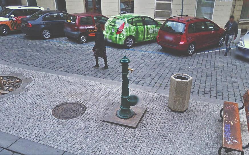 Fontánka na náměstíčku na ulici Jilská.