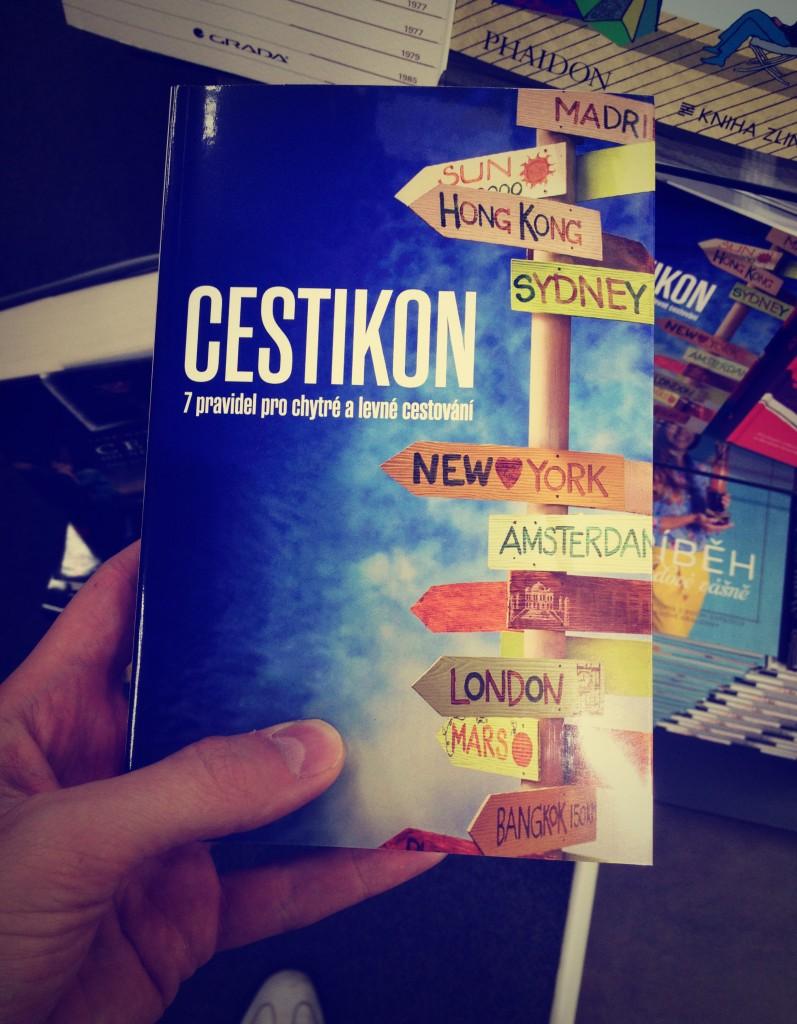 Cestikon v knihkupectví