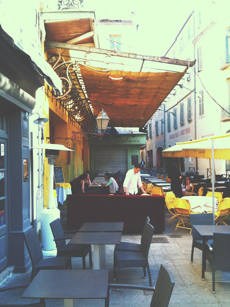 To samé místo, kavárna Van Gogha